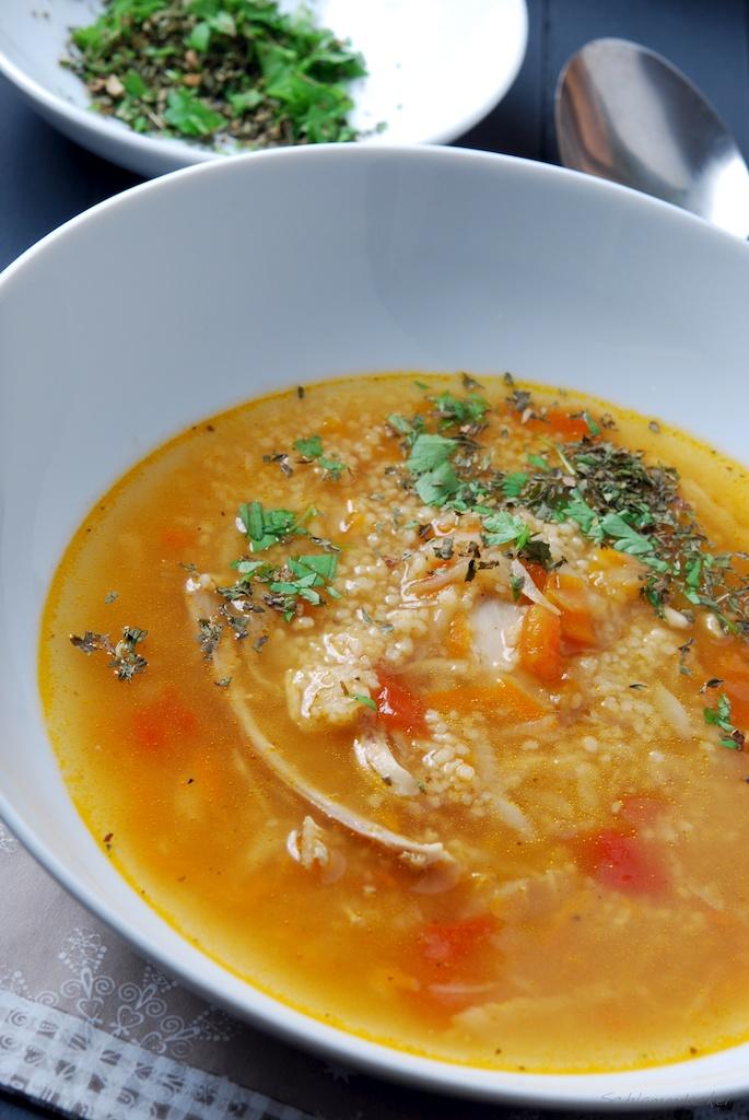 Marokkanische Hähnchensuppe mit Couscous