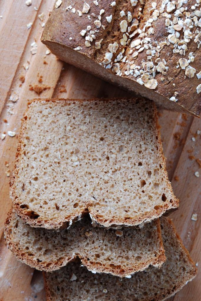 Dinkelflocken-Brot