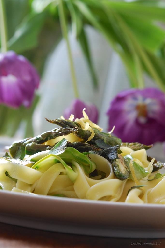 Grüne Spargel-Pasta