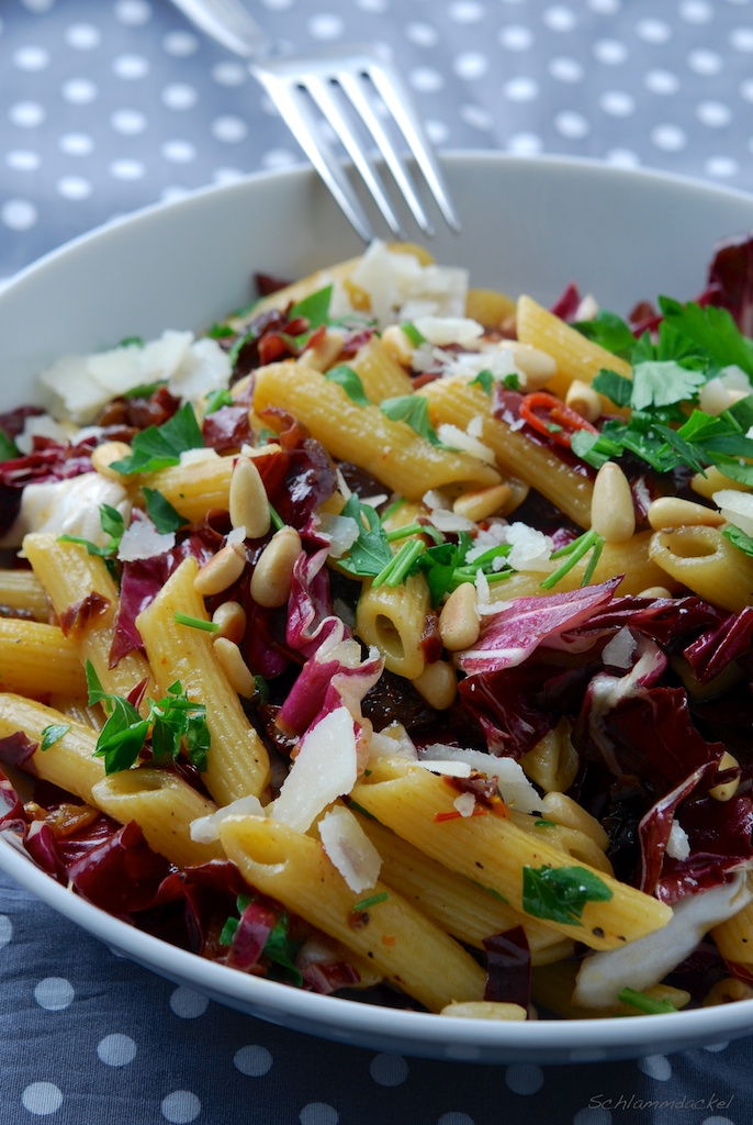 Safran-Pasta mit Radicchio